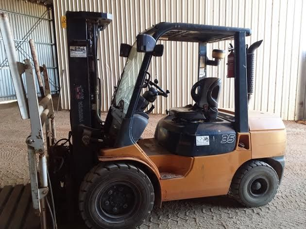 02-7FDJ35 2700kg Toyota Forklift Plant and Equipment for sale NSW