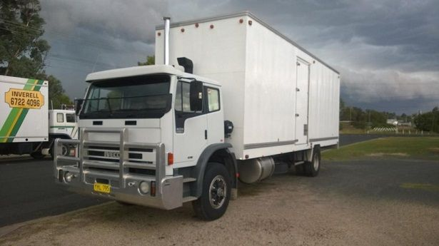 International 2350 G Furniture Pantech Truck for sale NSW Inverell