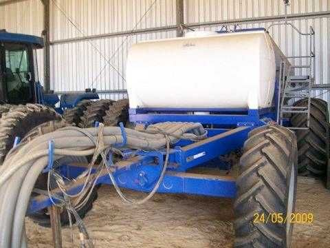Farm Machinery for sale WA Gason Box 2120 RT with John Blue liquid kit