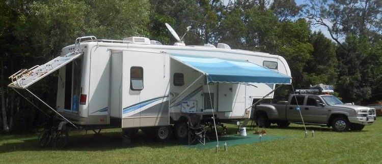 Glendale Titanium 2004 5th Wheeler Caravan for sale QLD