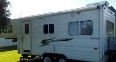 2004 Adventurer 690 5th Wheeler caravan for sale Maitland NSW