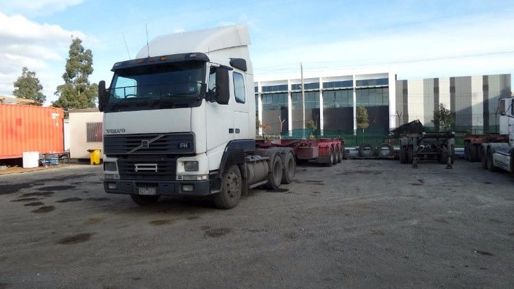 Volvo FH12 Prime Mover 40ft Bogie Container Trailer for sale Vic