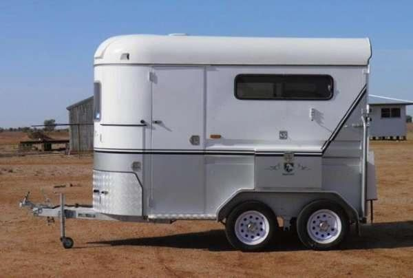 Imperial AS NEW 2 HSL Float Horse Transport for sale QLD