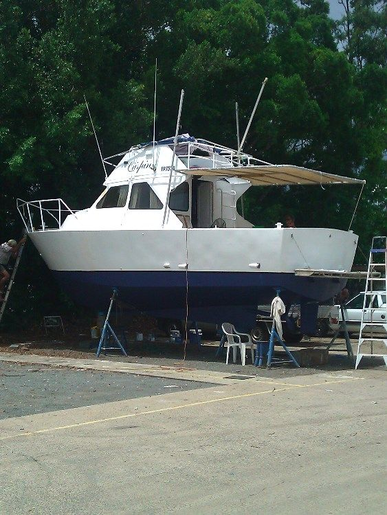 Flybridge Cruiser Boat for sale QLD Trinity Inlet