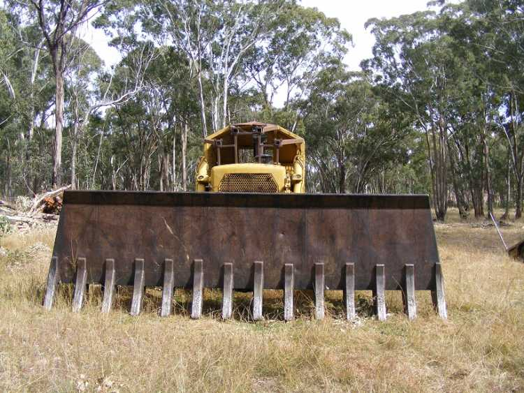 Selling a Dozer cat D8H New South wales