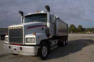 Truck for sale VIC Mack Trident Truck