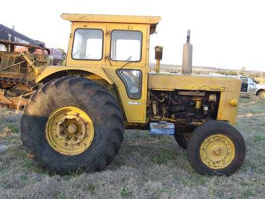 Chamberlain C6100 Tractor for sale QLD Bell