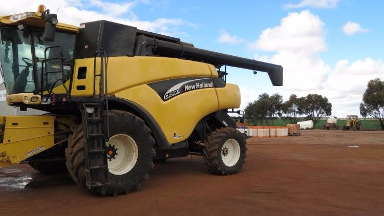 New Holland CR960 Header New Holland 94C Front Machinery for sale WA