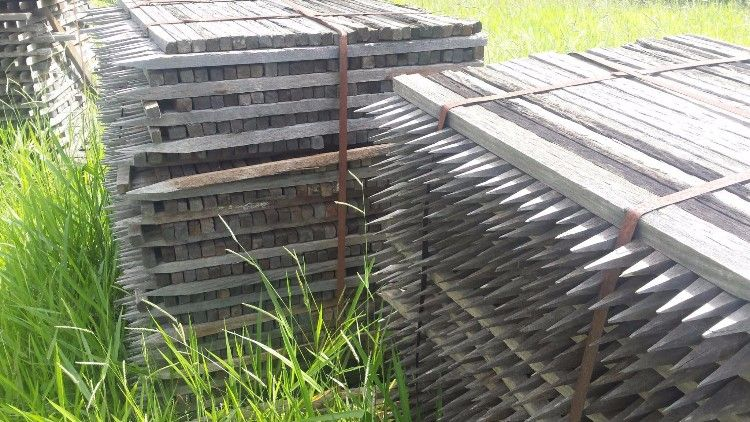 Hardwood Timber Pegs Pointed for sale QLD