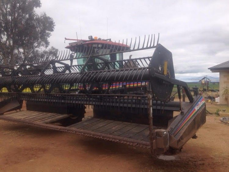 Macdon 9352 Windrower Farm Machinery for sale Central NSW
