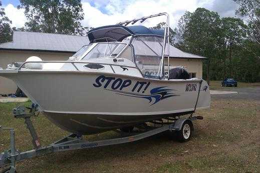 Boat for sale QLD Plated Fishing 5.5m Long Boat