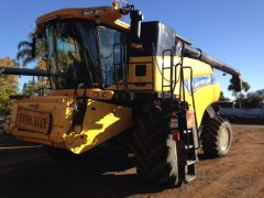 New Holland CR9090 Header Farm Machinery for sale NSW